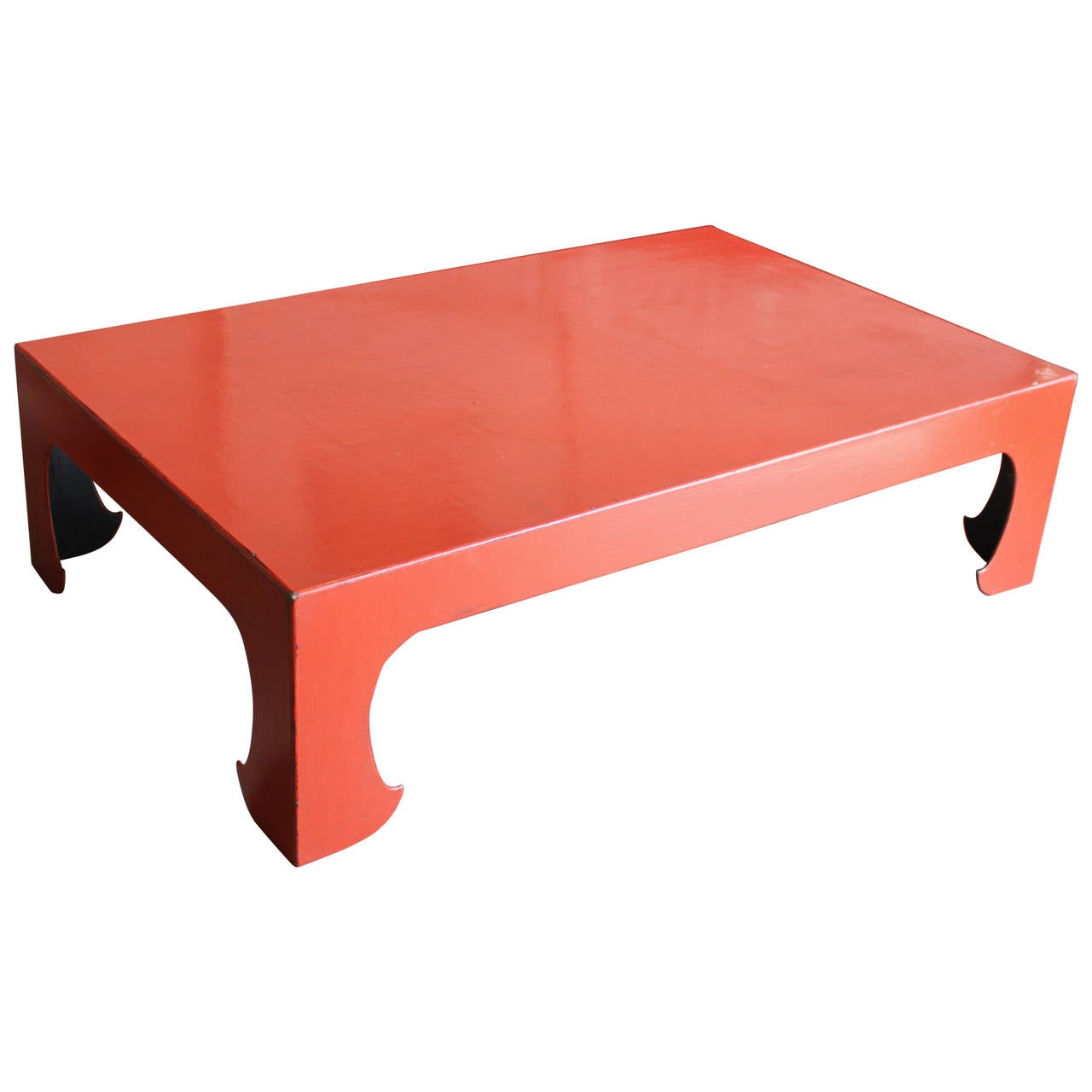 Vintage Red Coral Lacquered Chinese Coffee Table For Sale