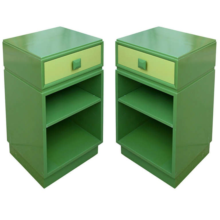 Pair of Kittinger Modern Sidetable / Night Stands