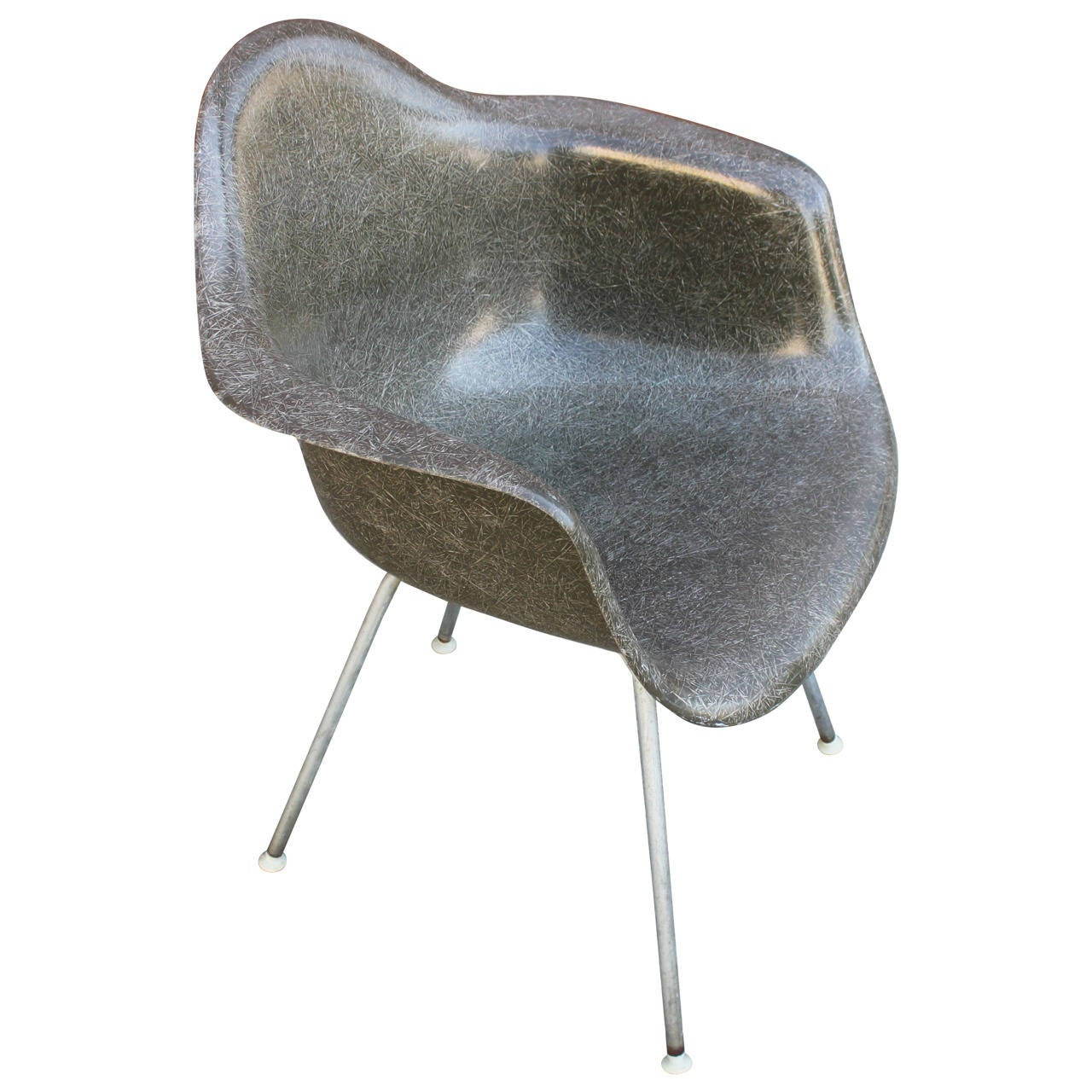 eames shell armchair in elephant grey for sale at 1stdibs. Black Bedroom Furniture Sets. Home Design Ideas