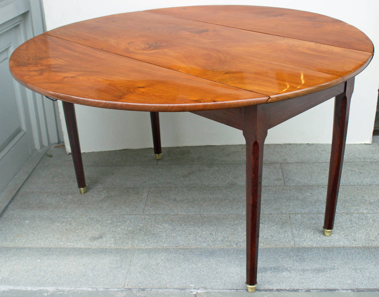 High Quality 19th Century French Mahogany Round Drop Leaf Table 2