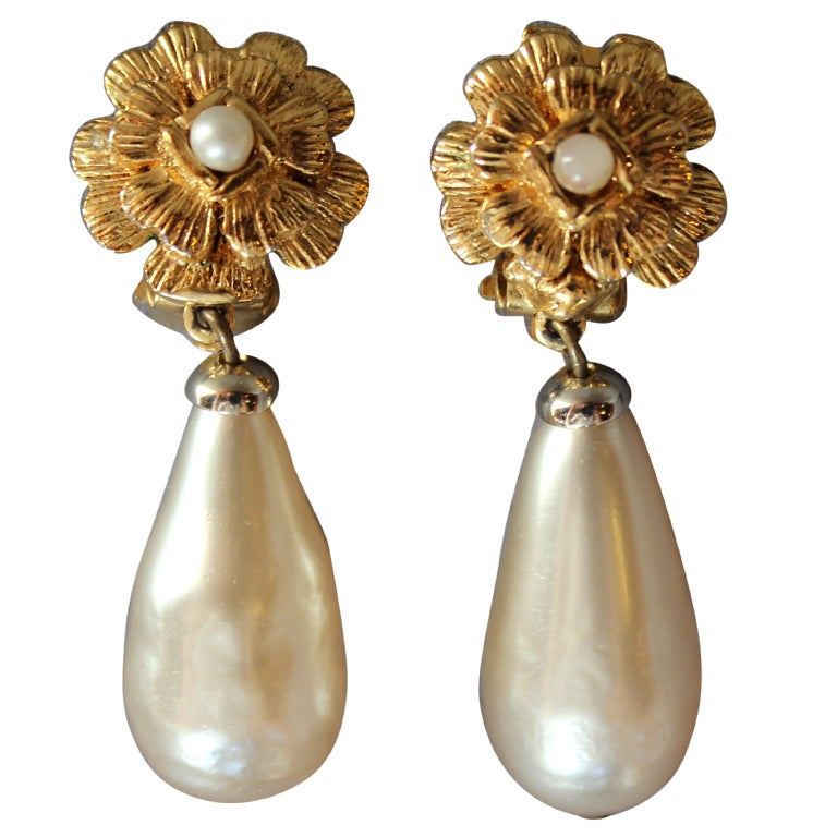 Chanel Flower Motif Clip Earrings with drop Pearl 1