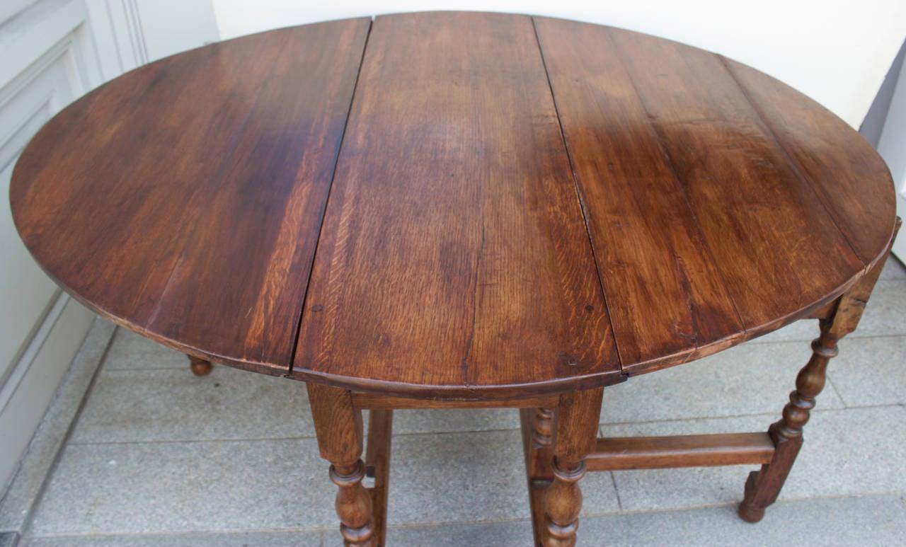 French 18th Century Oak Gateleg Table