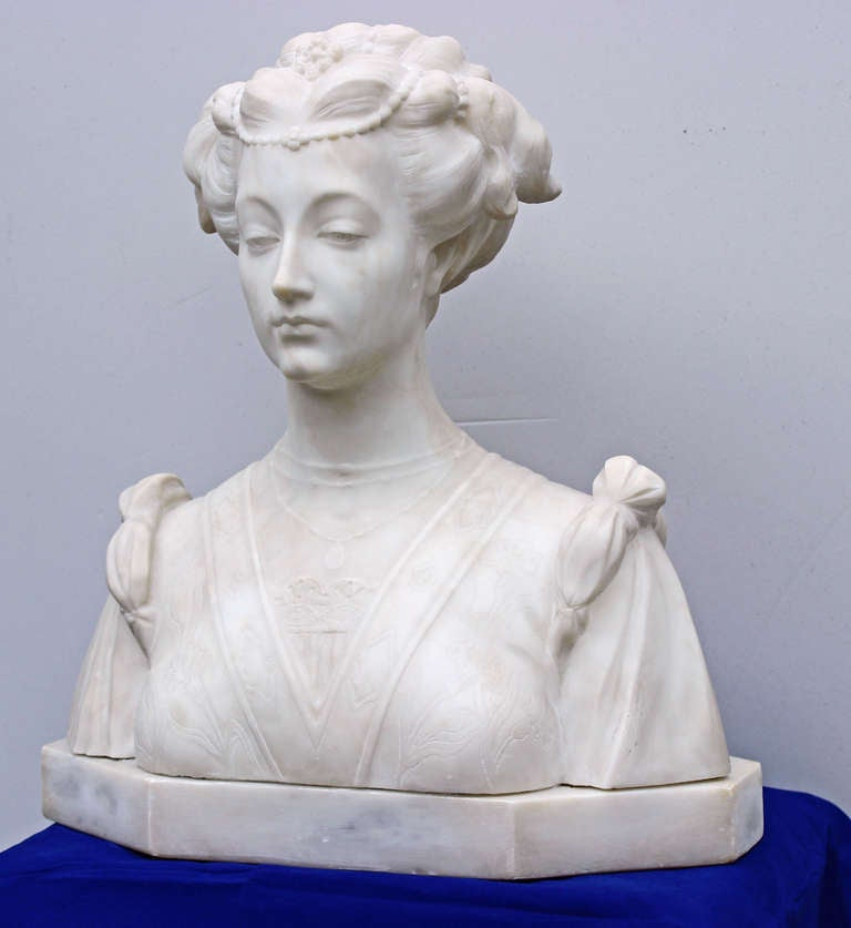 Hand-Carved Italian Marble Bust In Good Condition For Sale In Charleston, SC