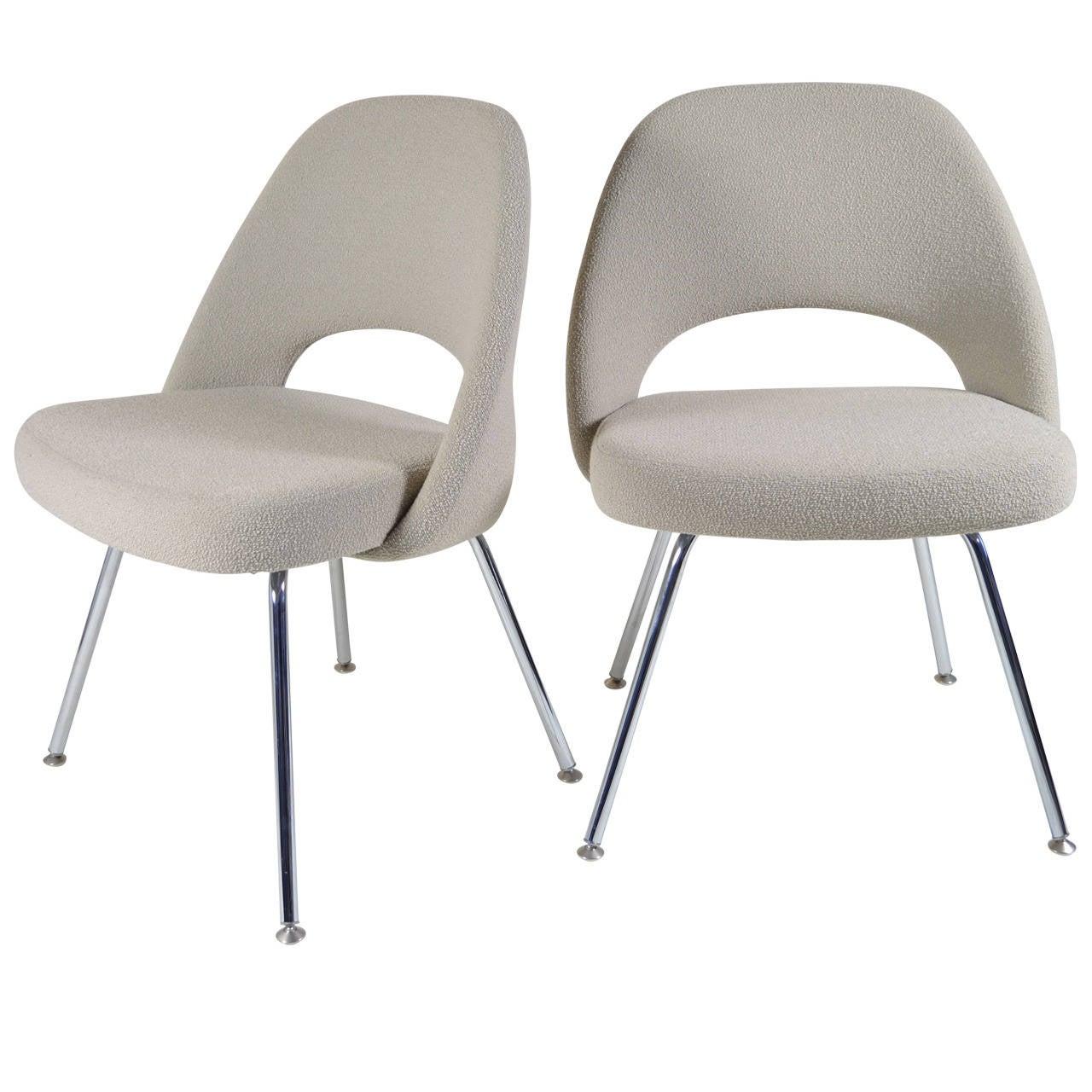 Pair saarinen executive armless chairs at 1stdibs for Saarinen executive armless chair