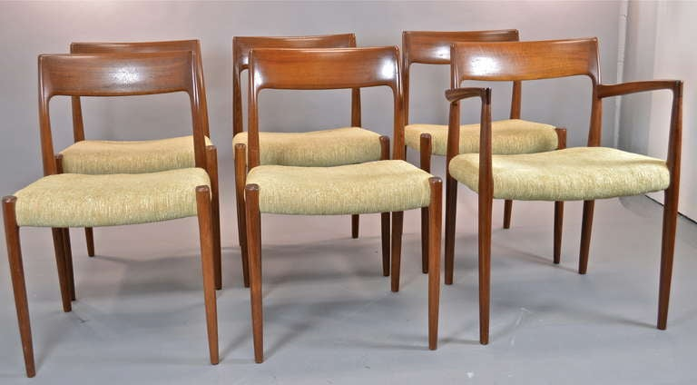 Set of 6 danish modern teak dining chairs at 1stdibs for Dscan dining room set
