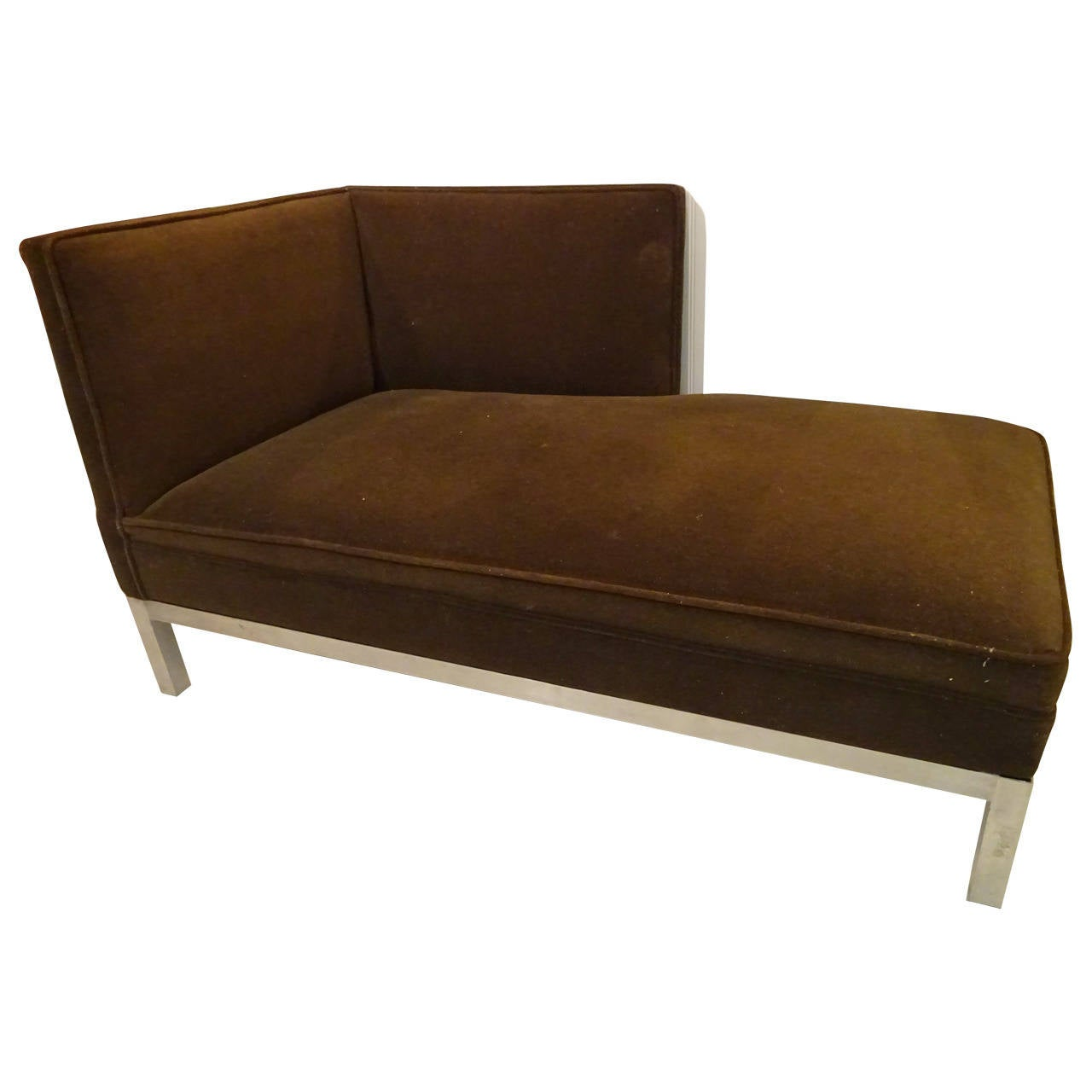 Mid century chaise longue at 1stdibs for Chaise longue furniture