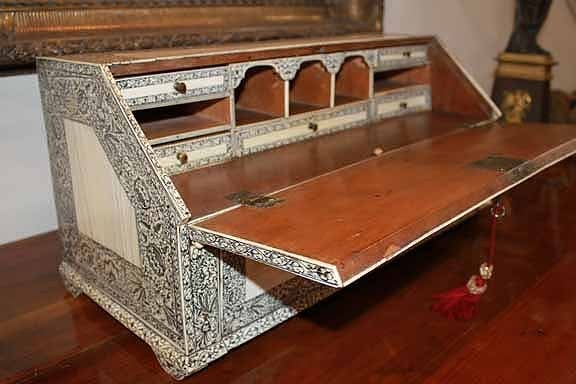 19th Century Anglo-Indian Lac-Engraved Bone Tabletop Accessory Box 5