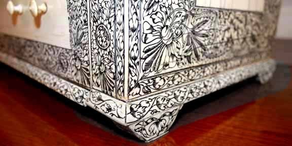 19th Century Anglo-Indian Lac-Engraved Bone Tabletop Accessory Box 10