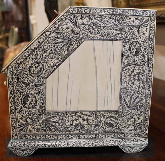 19th Century Anglo-Indian Lac-Engraved Bone Tabletop Accessory Box 9