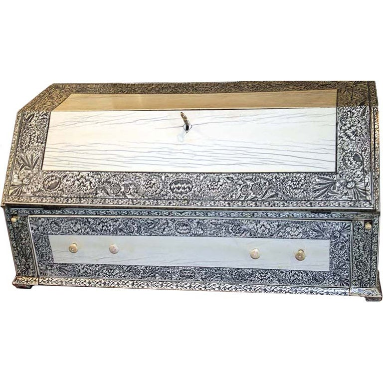 19th Century Anglo-Indian Lac-Engraved Bone Tabletop Accessory Box 1