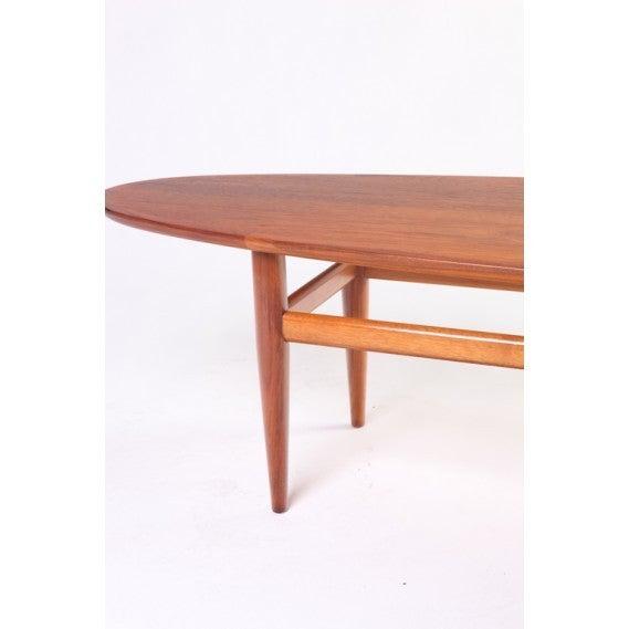 Mid Century Drexel Heritage Walnut Surfboard Coffee Table