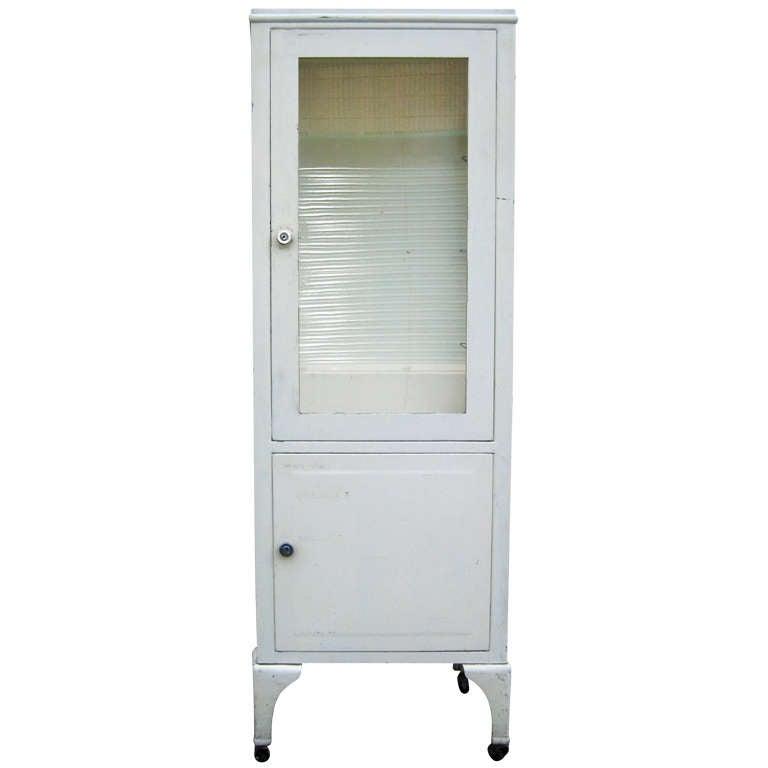 vintage industrial medical display cabinet at 1stdibs. Black Bedroom Furniture Sets. Home Design Ideas