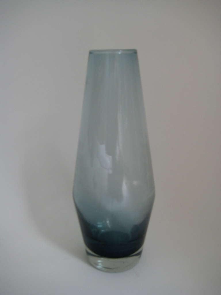 tapio wirkkala iittala finland mid century glass vase at. Black Bedroom Furniture Sets. Home Design Ideas