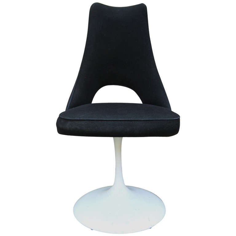 1960s Mod Black And White Tulip Base Swivel Chair At 1stdibs
