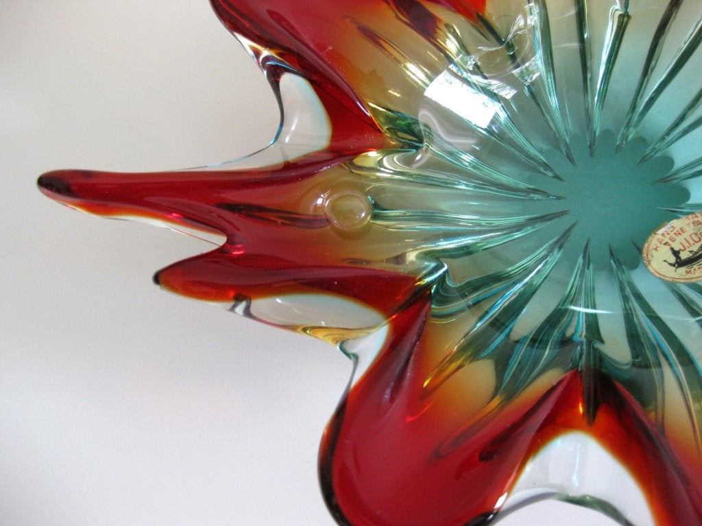 1950s Italian Handblown Art Glass Fish Dish/ Bowl by J. I. Co. In Excellent Condition For Sale In New York, NY