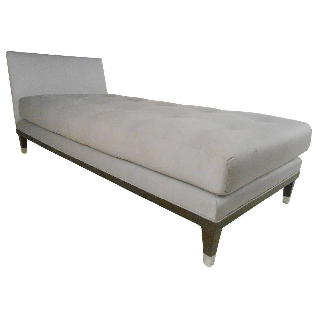 Modern style chaise lounge at 1stdibs for Chaise contemporary