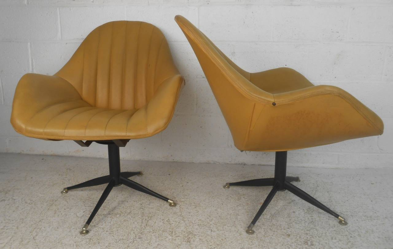 pair of mid century modern france and sons swivel lounge chairs for sale at 1stdibs. Black Bedroom Furniture Sets. Home Design Ideas