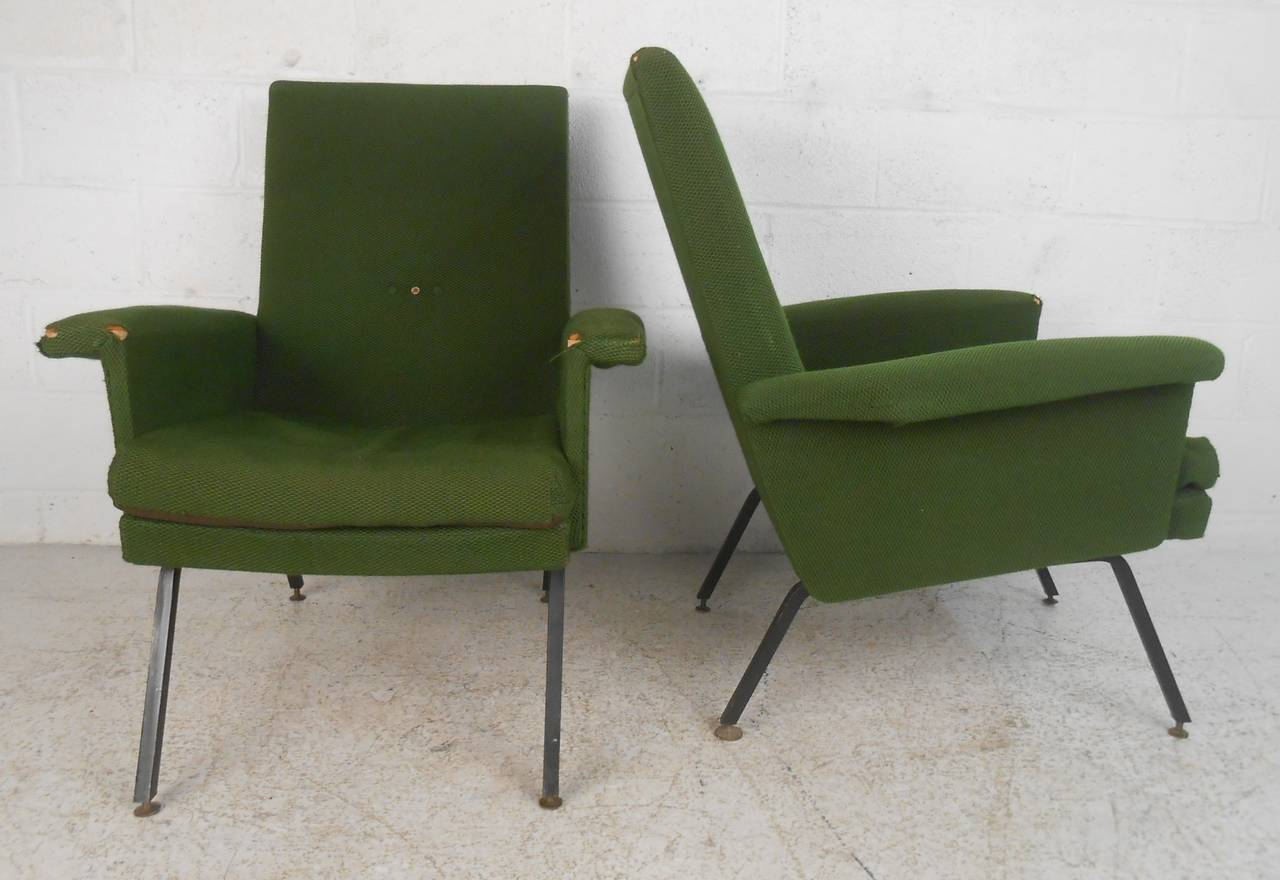 Mid-Century Modern Vintage Italian Modern Lounge Chairs For Sale