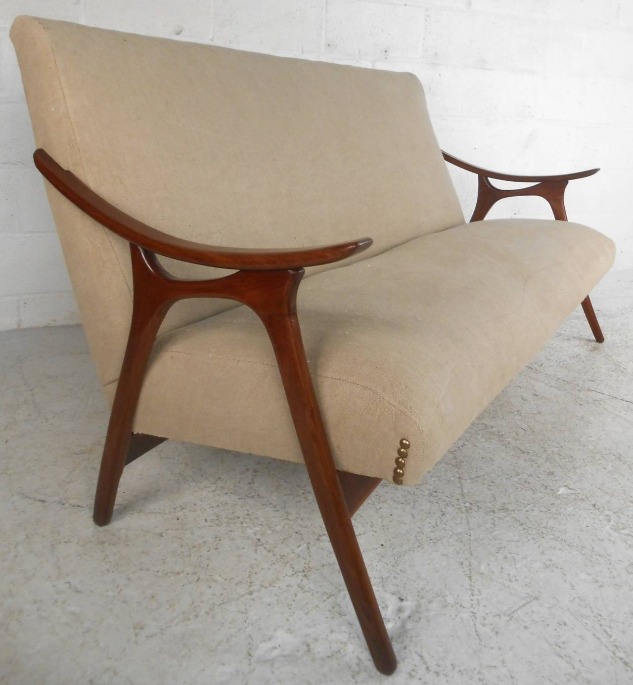 Mid-Century Modern Peter Hvidt Style Sofa In Good Condition For Sale In Brooklyn, NY