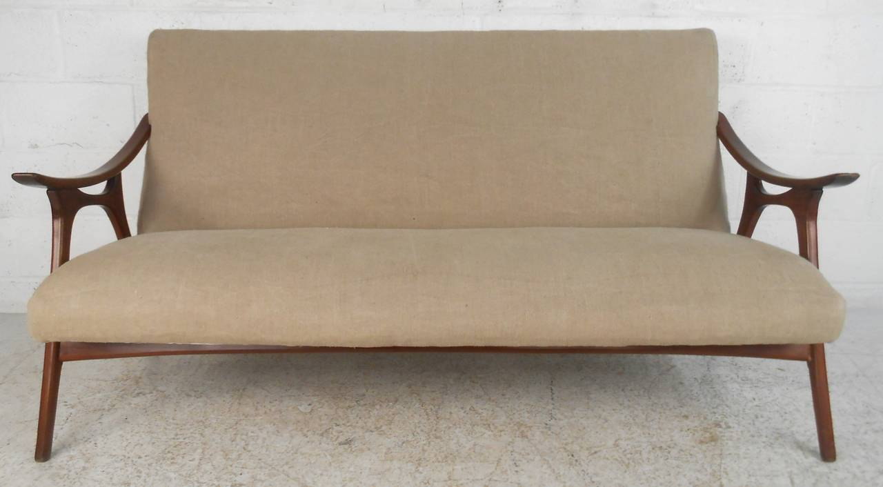 Unknown Mid-Century Modern Peter Hvidt Style Sofa For Sale