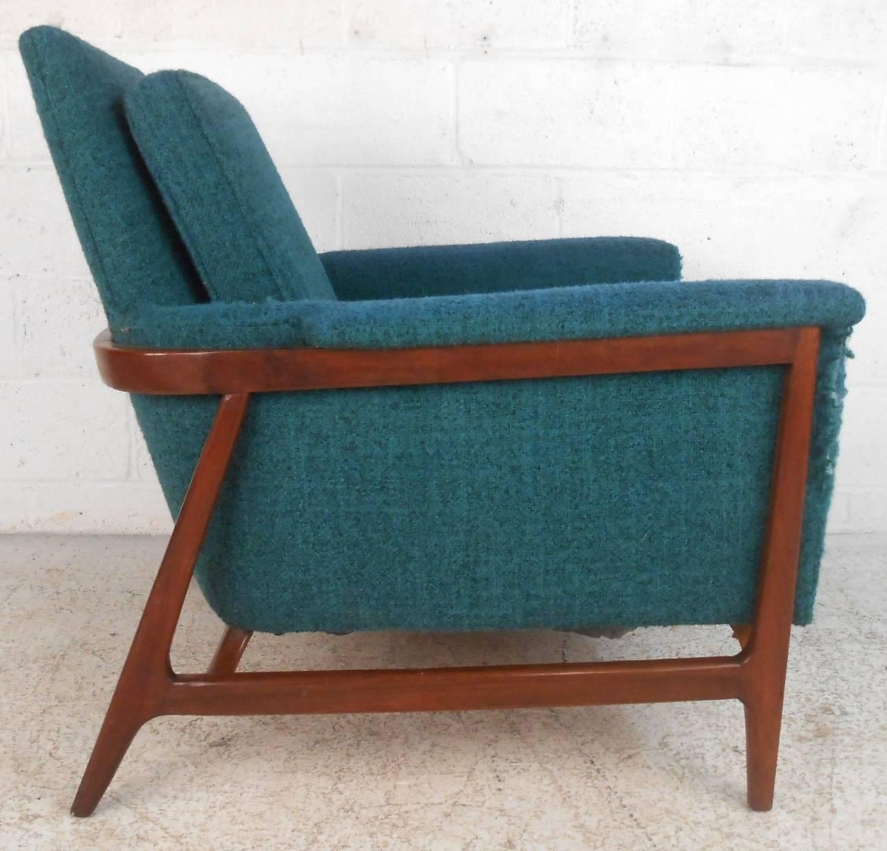 Mid century modern adrian pearsall style armchair at 1stdibs for Mid century modern armchairs