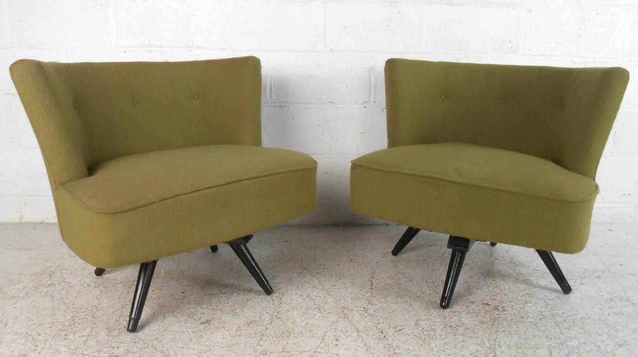 pair of mid century modern swivel slipper chairs at 1stdibs. Black Bedroom Furniture Sets. Home Design Ideas