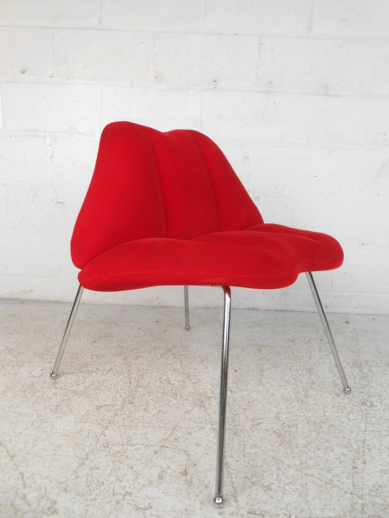 Attractive Bold And Fun Side Chair In The Shape Of Ruby Red Lips. Set On Slender
