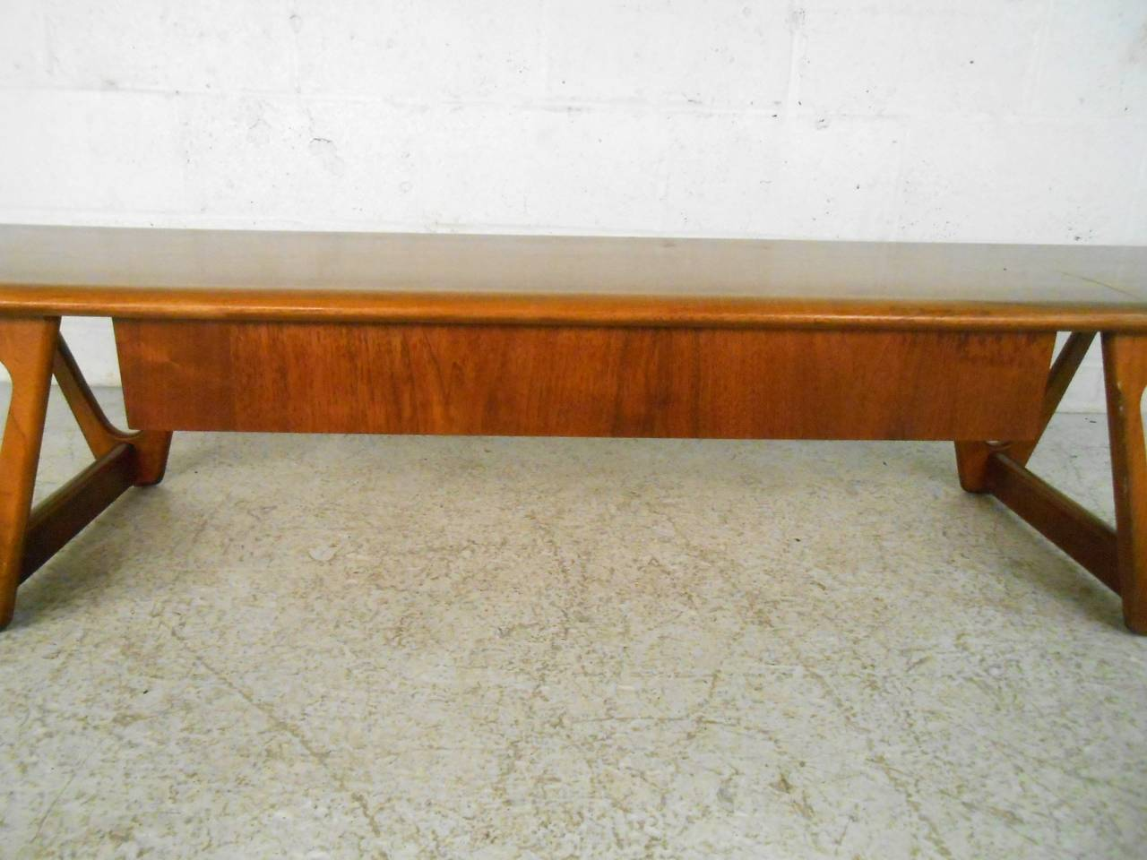 Walnut Mid-Century Modern Sculpted Base Warren Church Coffee Table by Lane Furniture For Sale