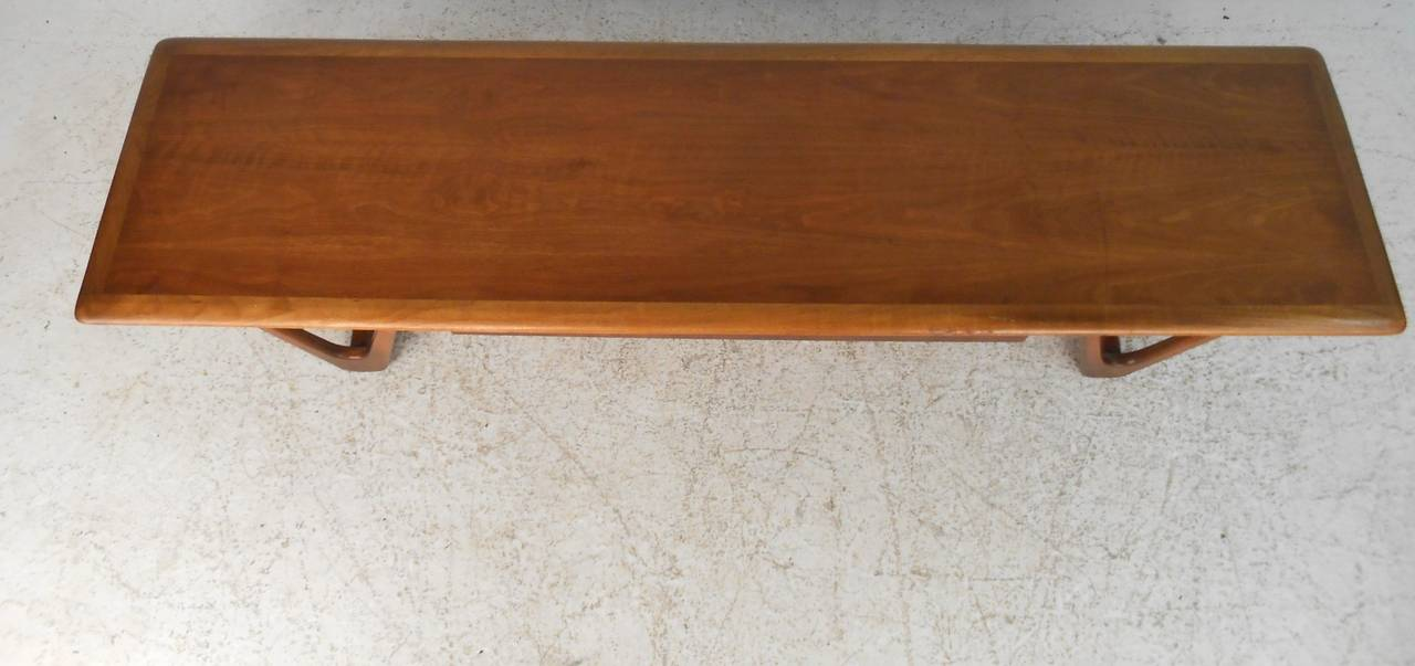 Mid-Century Modern Sculpted Base Warren Church Coffee Table by Lane Furniture For Sale 2