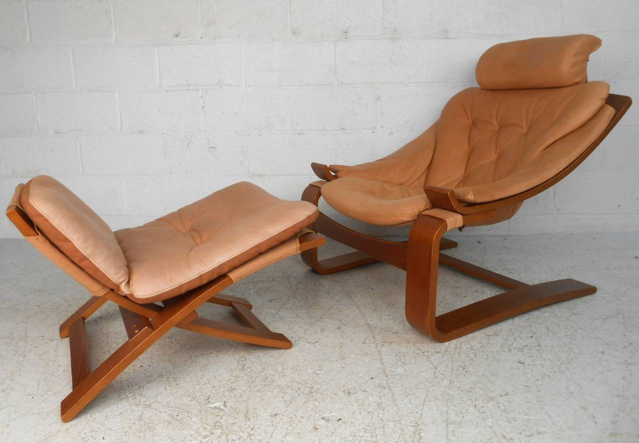 Mid-Century Modern Nelo Mobler Leather Chair & Ottoman