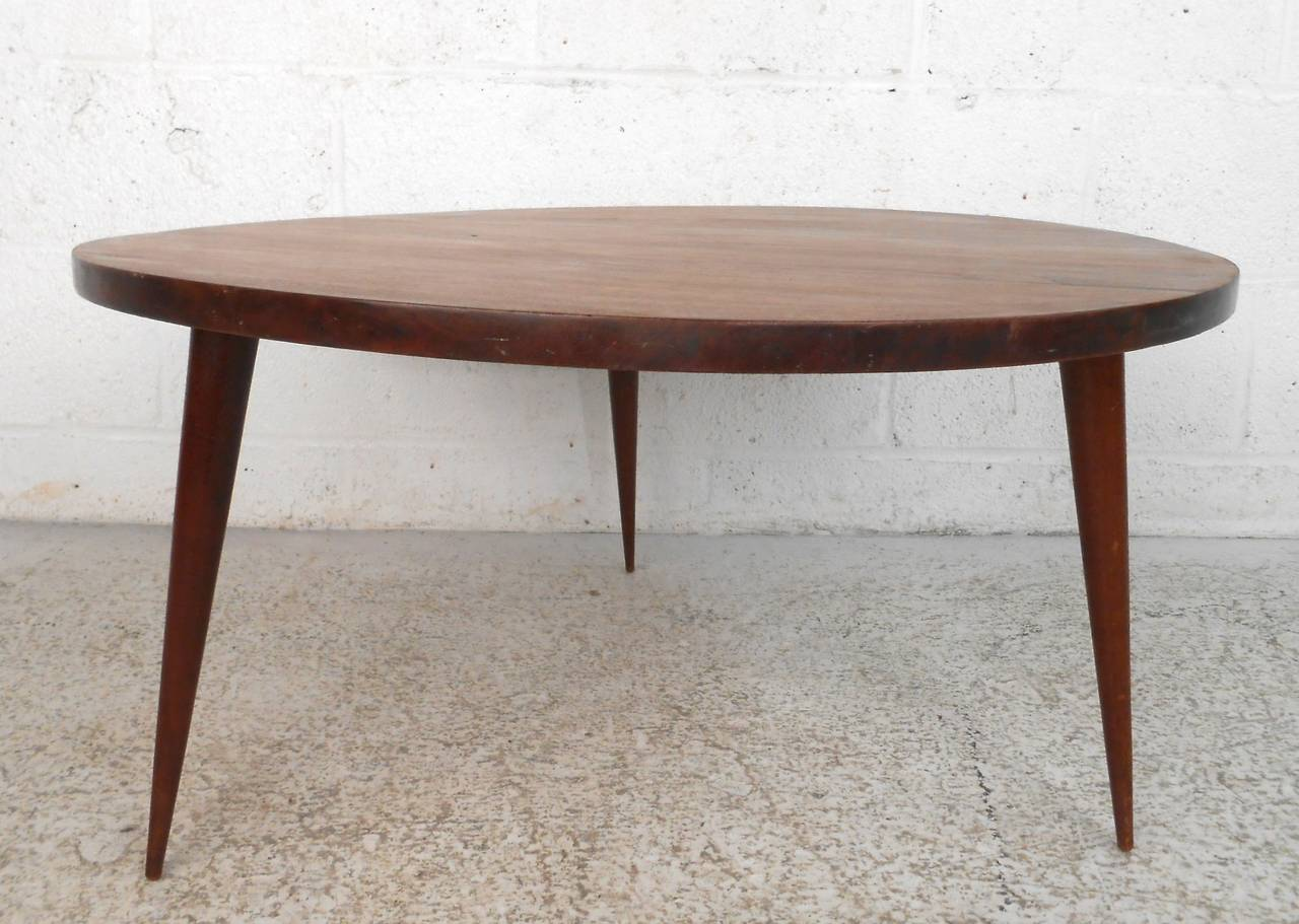 Mid century modern small round coffee table at 1stdibs Modern round coffee tables