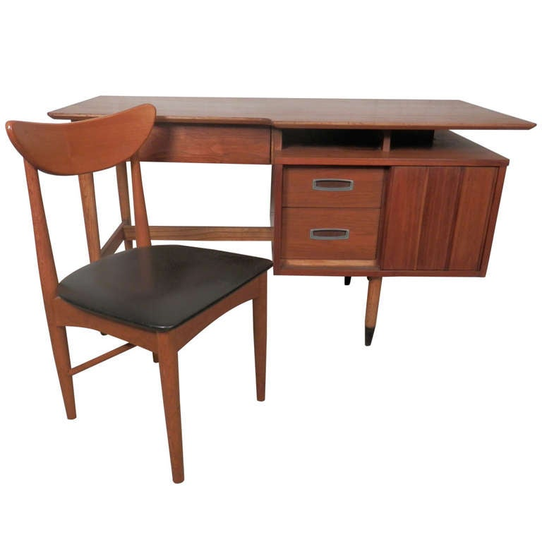 Mid Century Modern Desk W Chair At 1stdibs