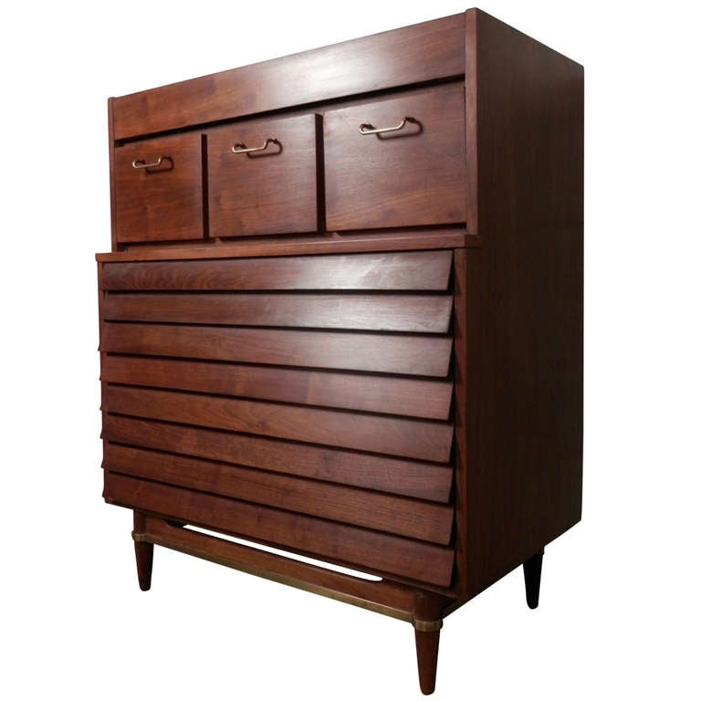 Beautiful louvered front dresser by american of for American martinsville bedroom furniture