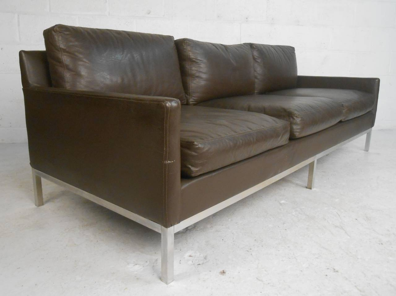 knoll style leather sofa at 1stdibs. Black Bedroom Furniture Sets. Home Design Ideas