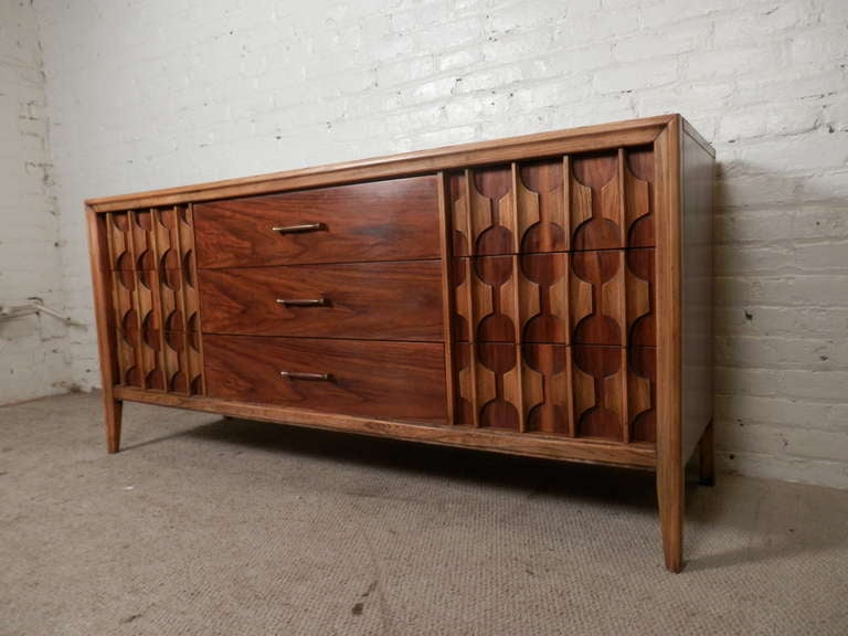 Charming Two Tone Kent Coffey Sculpted Front Dresser 2