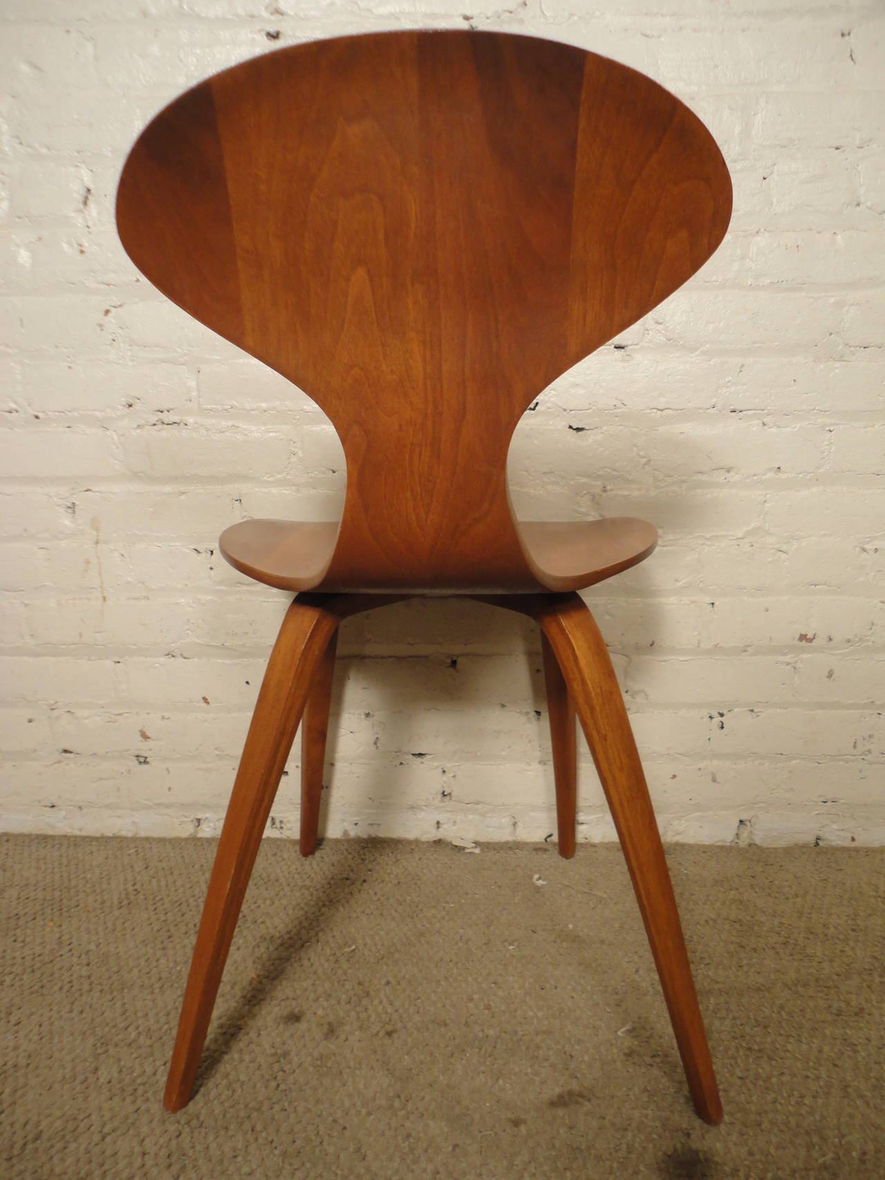 Mid-20th Century Six Cherner Chairs For Plycraft For Sale