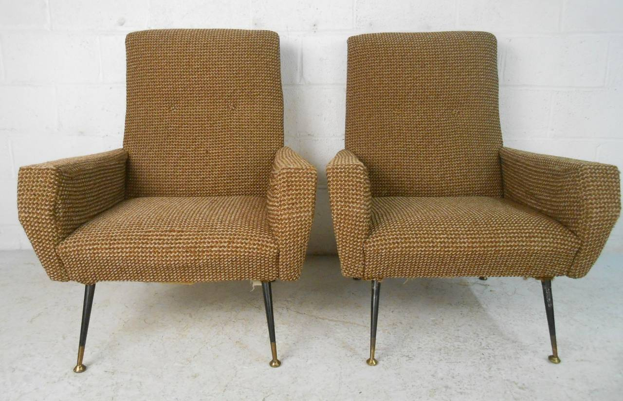 Pair of Mid-Century Modern Gio Ponti Style Armchairs In Good Condition For Sale In Brooklyn, NY