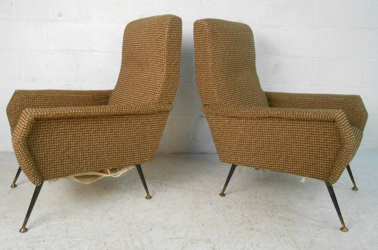 Unknown Pair of Mid-Century Modern Gio Ponti Style Armchairs For Sale