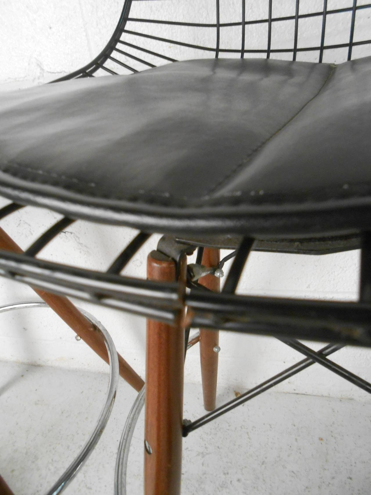 Set Of Four Mid Century Modern Barstools In The Style Of