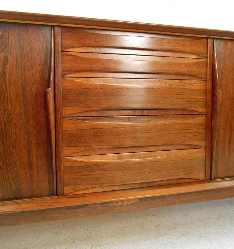 rosewood sideboard by arne vodder at 1stdibs. Black Bedroom Furniture Sets. Home Design Ideas