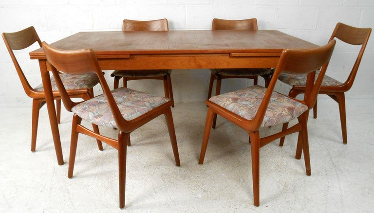 Mid Century Danish Modern Teak Dining Room Table With Chairs For Sale At 1stdibs