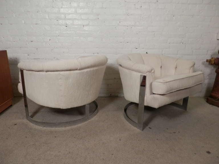 Mid-Century Modern Barrel Back Chairs For Sale 3