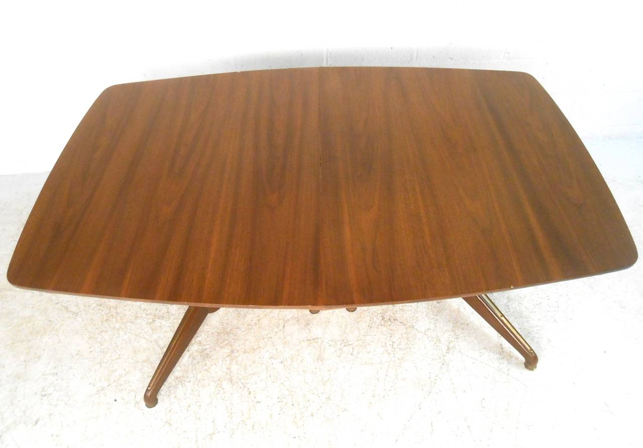 Mid-Century Modern Kent Coffey Perspecta Dining Table In Good Condition For Sale In Brooklyn, NY