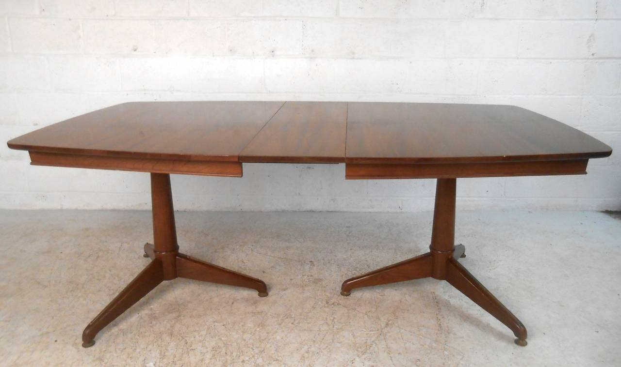 Late 20th Century Mid-Century Modern Kent Coffey Perspecta Dining Table For Sale
