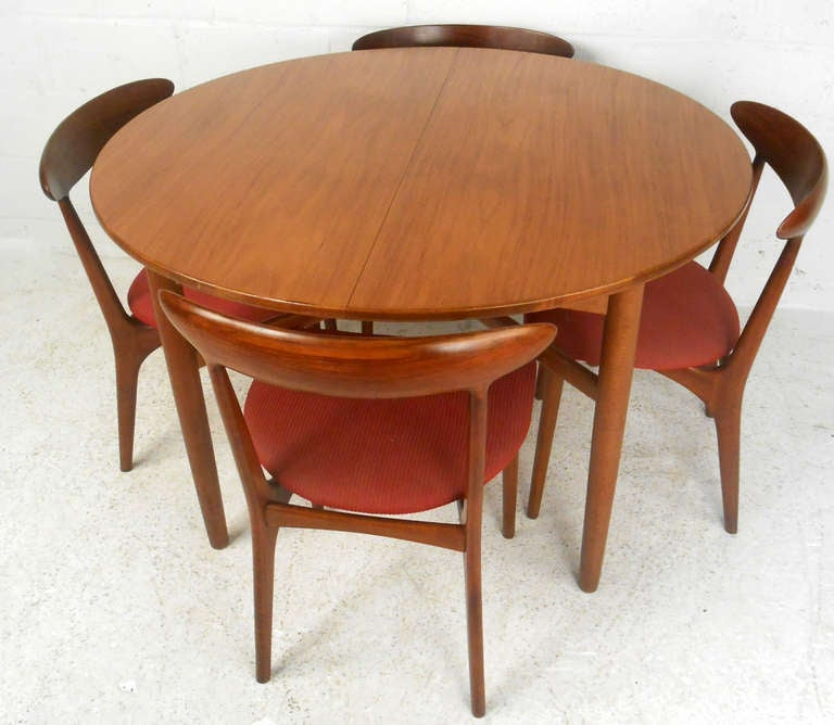 beautiful danish dining room table w chairs at 1stdibs
