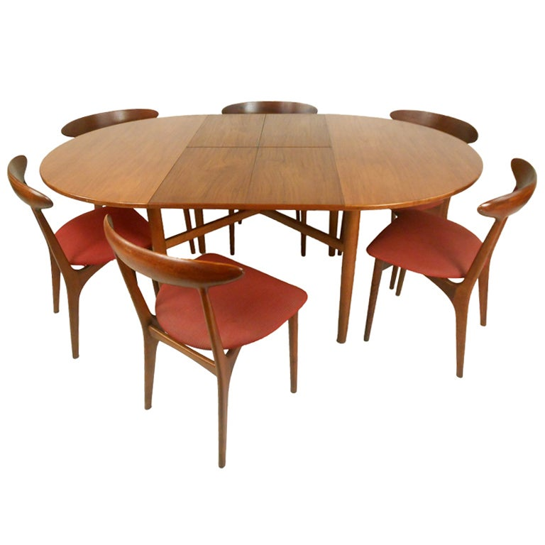 Beautiful Danish Dining Room Table W/ Chairs At 1stdibs