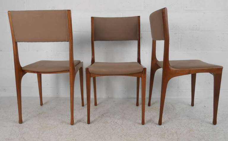 Set Of Eight Mid Century Modern Cassina Dining Chairs At 1stdibs
