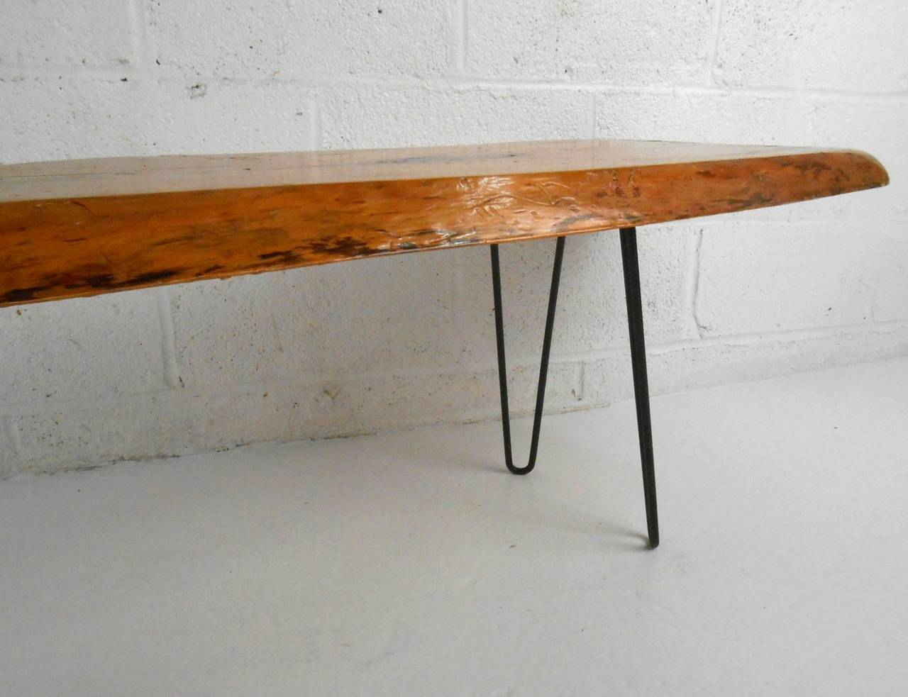 Superbe Unique Mid Century Modern Free Form Tree Slab Coffee Table For Sale 3