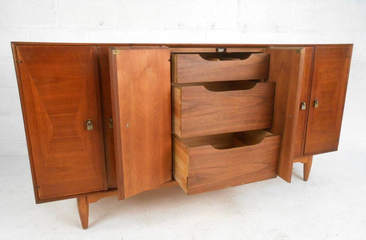 Mid Century Modern Mccobb Style Credenza By Ramseur