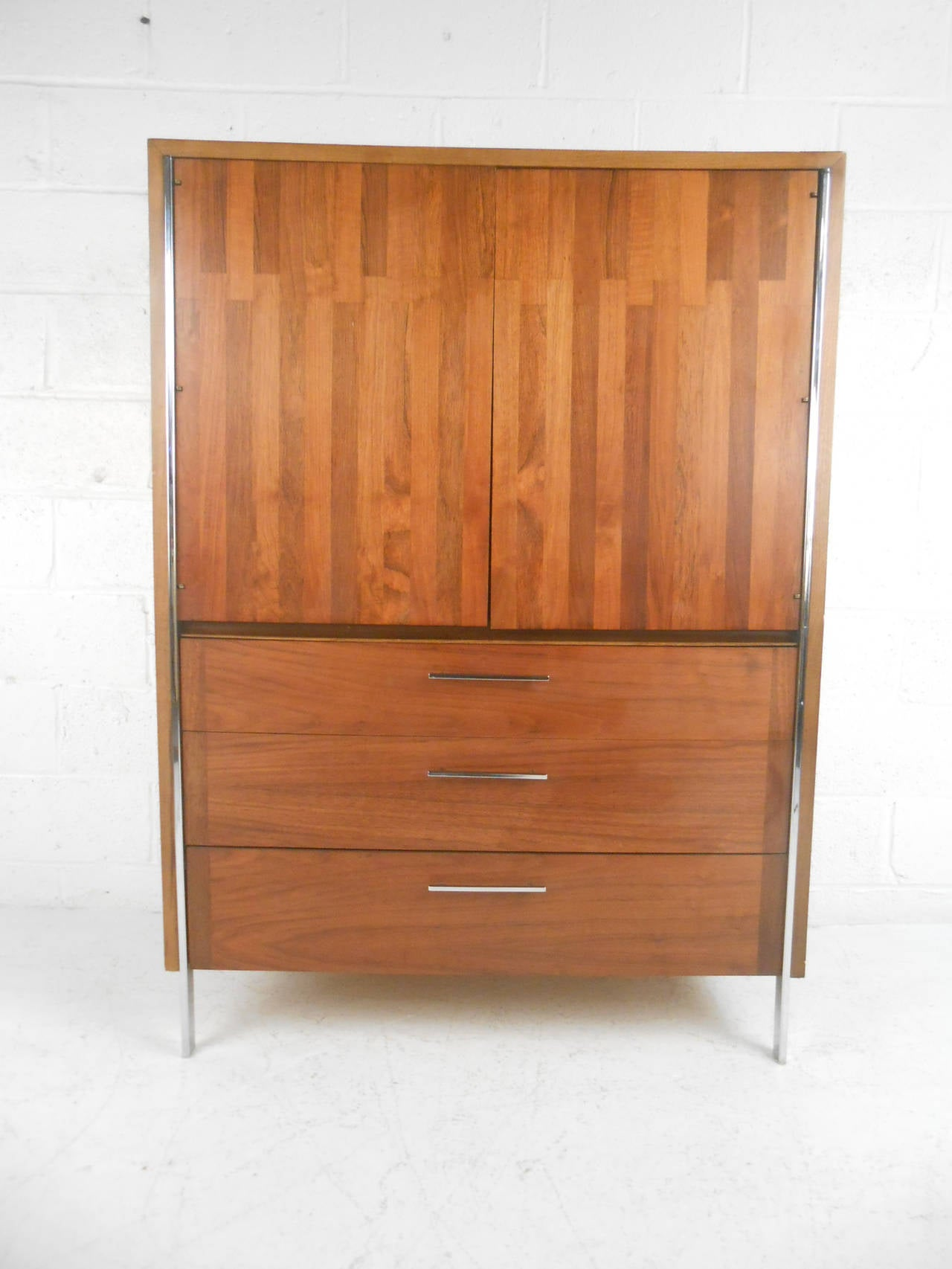 Exquisite Mid Century Modern Gentleman 39 S Chest By Lane Furniture At 1stdibs